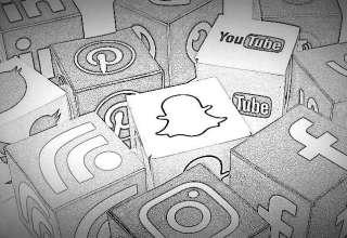 Autores têm opiniões diferentes sobre colocar conteúdo no site ou nas redes sociais
